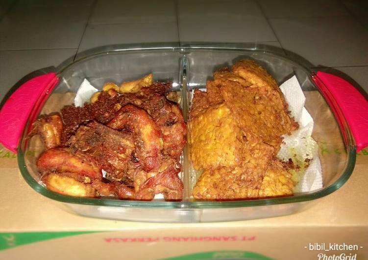 Ayam goreng serundeng kelapa & lengkuas #BikinRamadanBerkesan