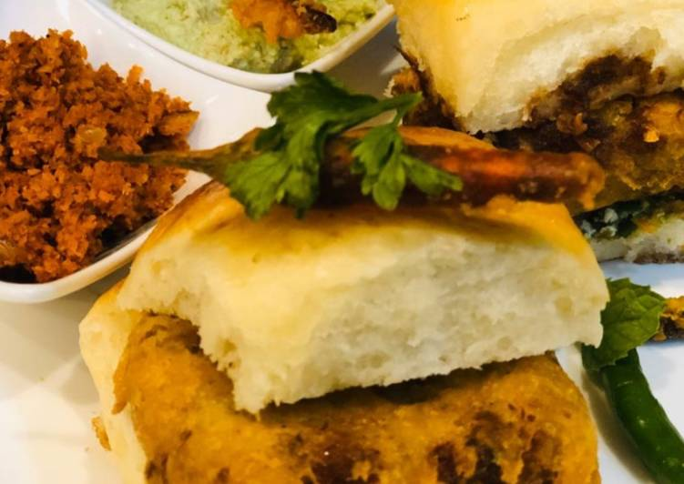 Whosayna's Steak Vada Paau, Heart Friendly Foods You Should Eat