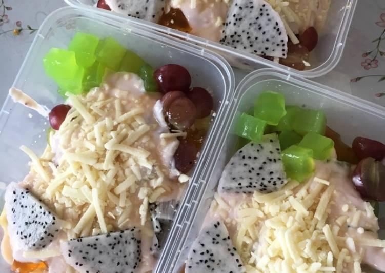 Salad buah sederhana