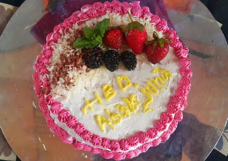 Birthday Cake ala Keto - cookandrecipe.com