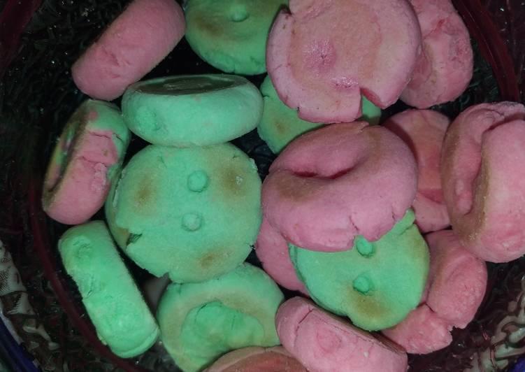 Kue Sagu warna-warni sederhana dan ekonomis