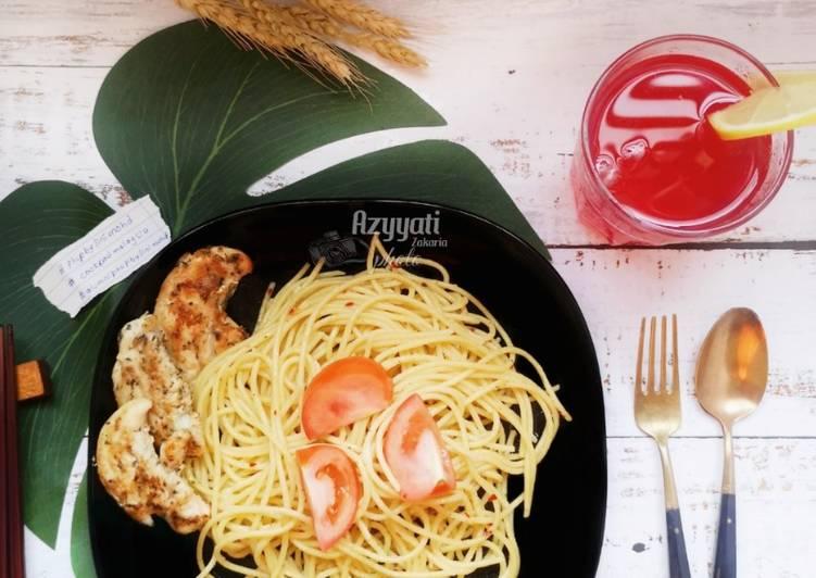 Spageti Aglio olio bersama ayam bakar #phopbylinimohd - velavinkabakery.com