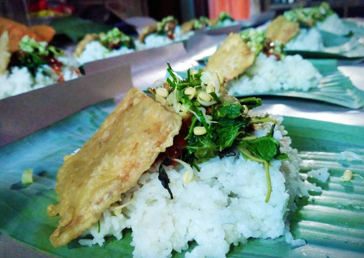 Nasi pecel versi khas ponorogo
