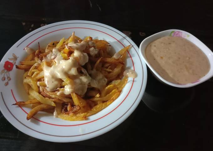 French Fries with white Sauce 🍟