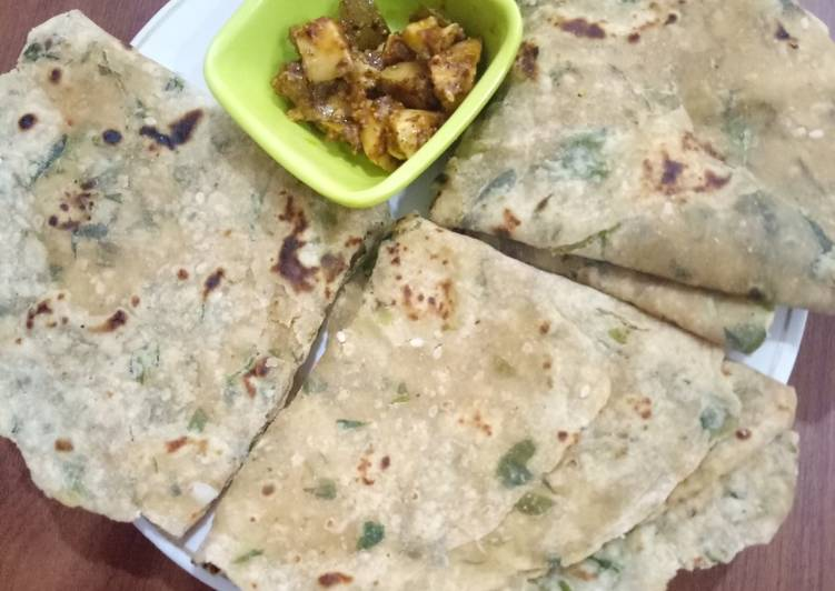 Steps to Prepare Quick Methi spring onion soya paratha