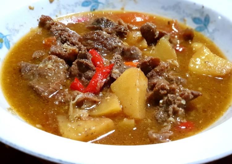 Resep Semur daging sapi kentang menantang Yang Simple Bikin Nagih