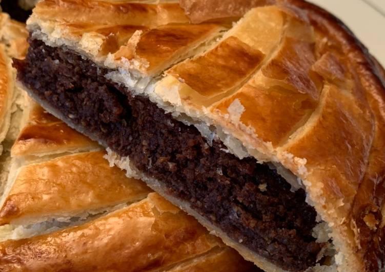 Le moyen le plus simple de Faire Délicieuse Galette des rois à la crème d'amandes/noisettes au chocolat