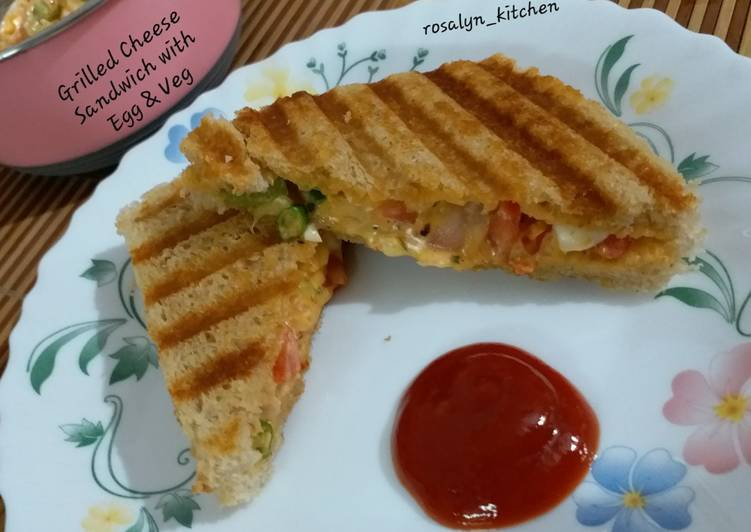Grilled Cheese Sandwich with Egg & Vegetables
