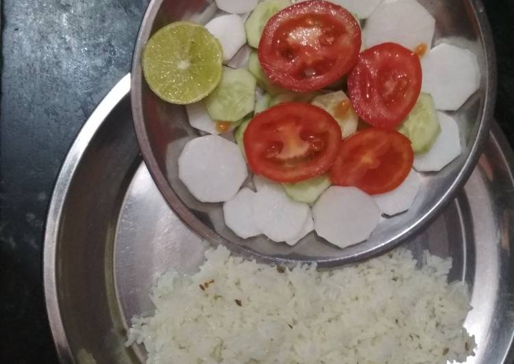 Recipe: Appetizing Jeera rice with salad