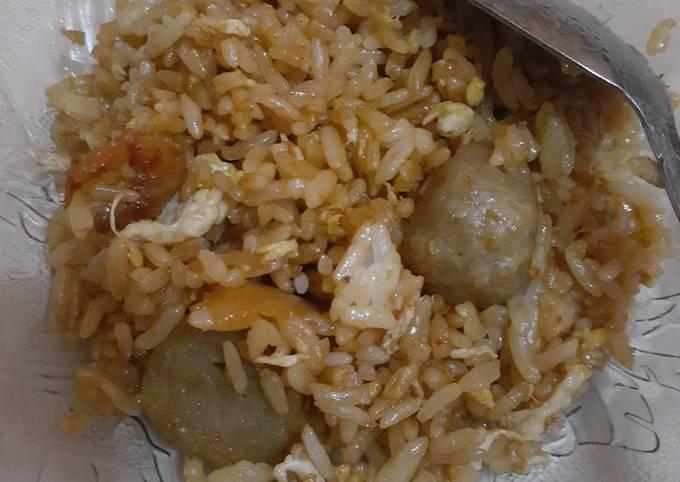 Cara Mudah Membuat Nasi goreng ebi baso, Menggugah Selera