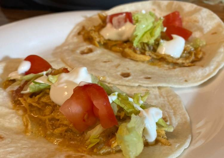 How to Prepare Ultimate Slow cooker queso chicken tacos