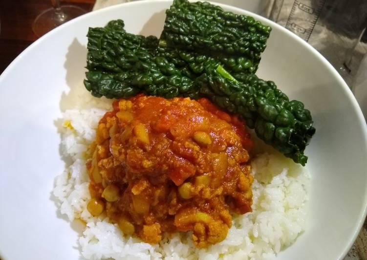 Auntie's Cauliflower and Chickpea Vegetarian Balti