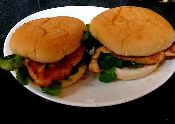 My Salt & Pepper Seasoned Chicken Burger 😀