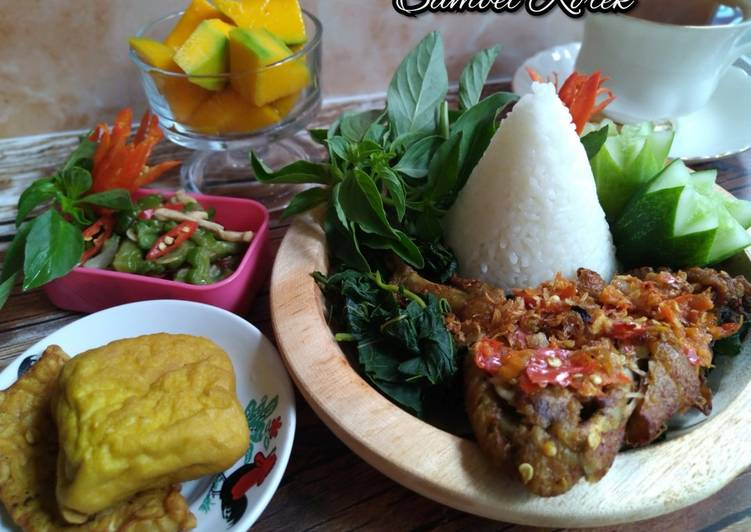 Ayam Penyet Sambel Korek (70)