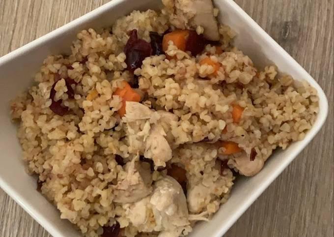 Une pot boulgour au poulet carottes et cumin au Cookeo