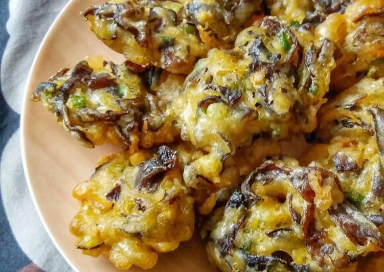 How to Prepare Yummy Bala-bala Lember / Woodear Mushrooms Fritters