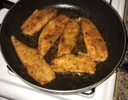 Filete de pescado empanizado a la mostaza
