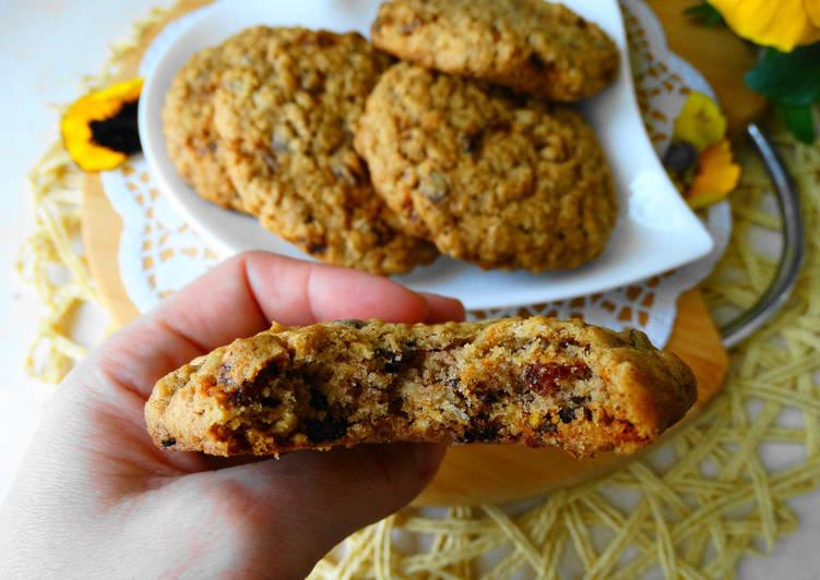 Ciasteczka Owsiane z Rodzynkami i Czekoladą