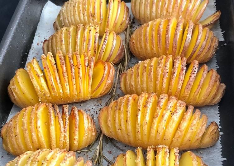 recette Pommes de terre rôties à la suédoise - hasselback potatoes le délicieux