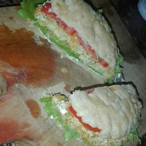 Sándwich con pan de papa vegetariano!