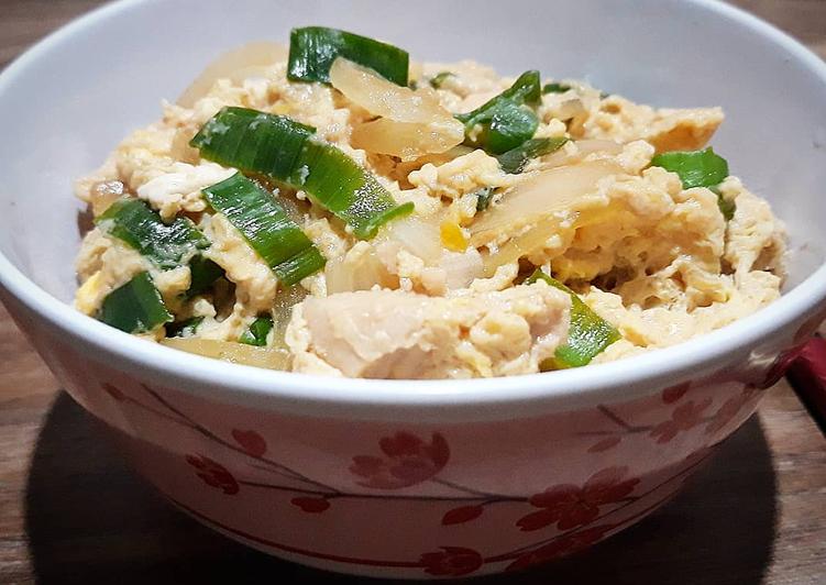 OYAKODON Nasi dengan Topping Telur & Ayam Jepang, gampang dibuat