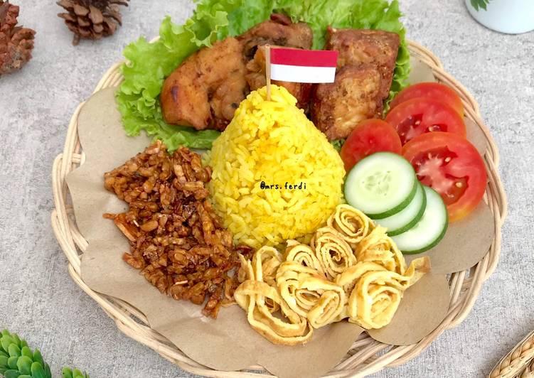 Tumpeng Mini (Nasi Kuning Magicom) - cookandrecipe.com