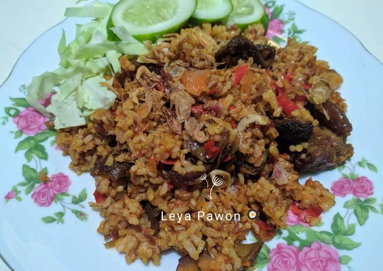 Nasi goreng merah daging sapi