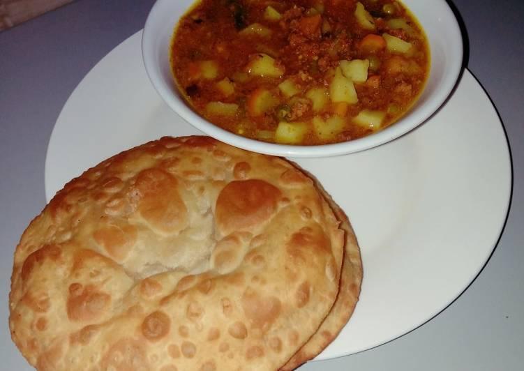Puri with potato dutch soup