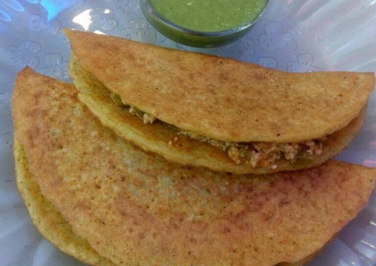 25 Minute Recipe of Refreshing Moong dal chilla