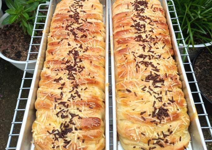 Roti Pisang Cokelat Keju Jumbo