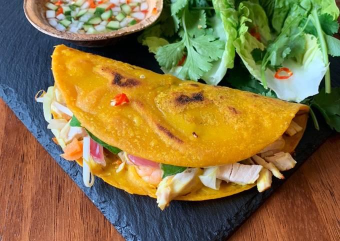 Vietnamese Crispy Pancakes with Thai Ajard dipping sauce, Can be vegetarian too!