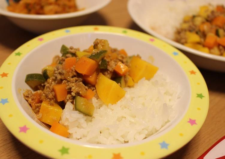 Kids-friendly Rice and Dry Curry