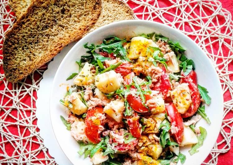 Insalata di patate con tonno, pomodorini e rucola(ricetta light