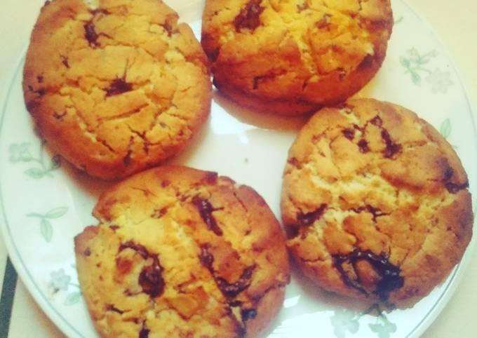 Cookies noix de coco, chocolat et cacahuettes concassées