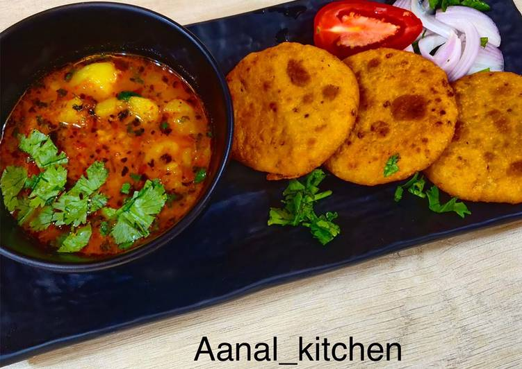 15 Minute Simple Way to Prepare Super Quick Homemade Moong dal kachori with aloo sabji