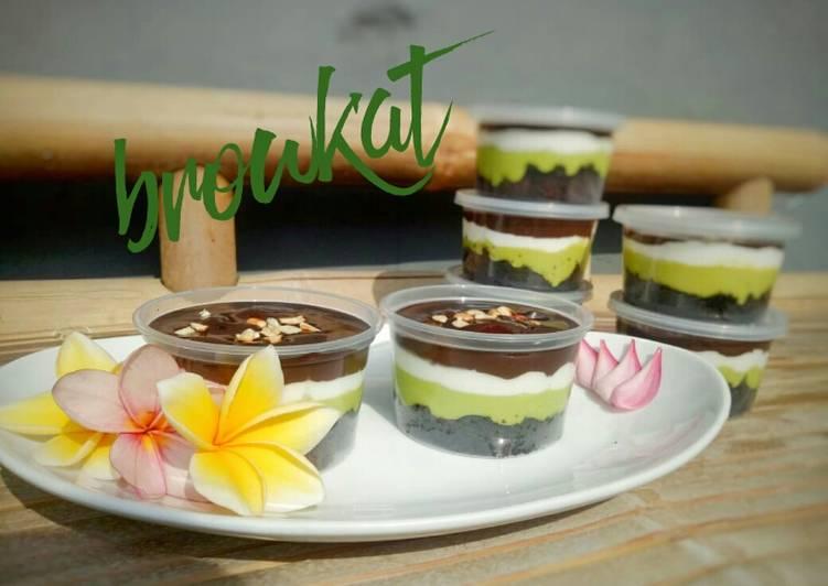 Resep Browkat Brownies Alpukat Mami Stef Oleh Stefnie Lumowa Cookpad