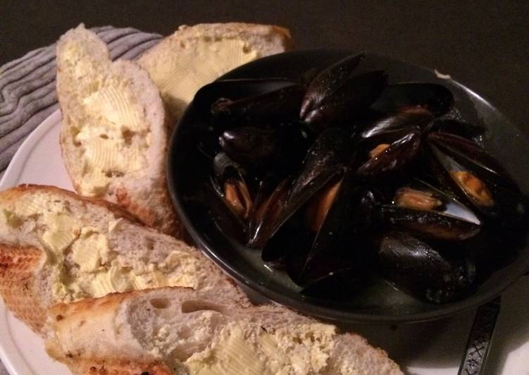 Simple Way to Prepare Award-winning Garlic butter mussels