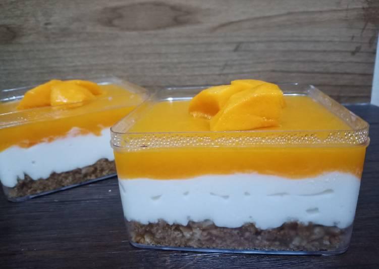 mango-cheesecake-dessert-box