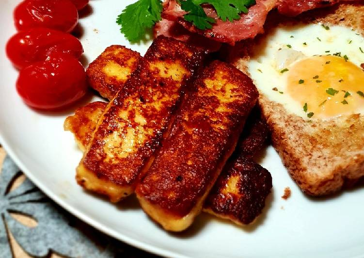 Halloumi egg in a hole breakfast