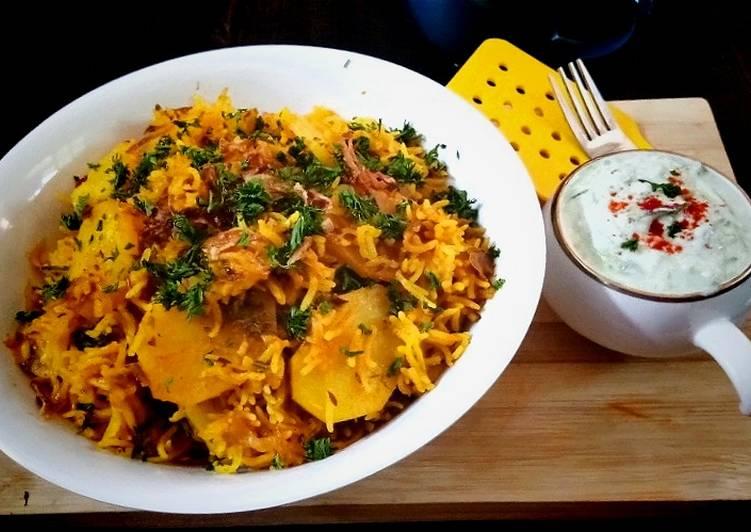 Recipe of Homemade Bataka Kaatri Handi Pulav