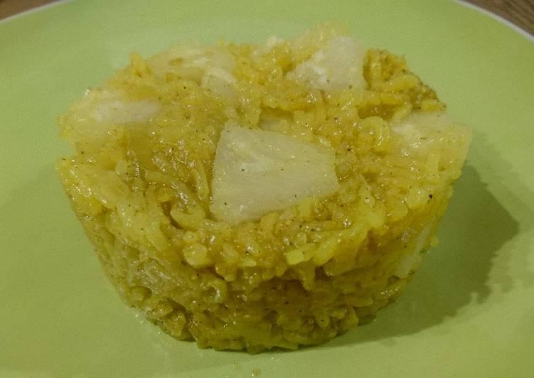 Riz basmati pilaf à l'oignon, curry et ananas 🍍