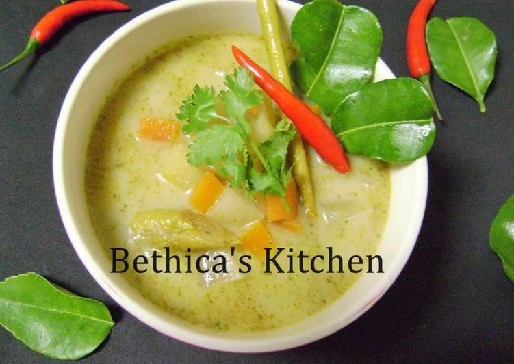 Thai Green Vegetable Soup