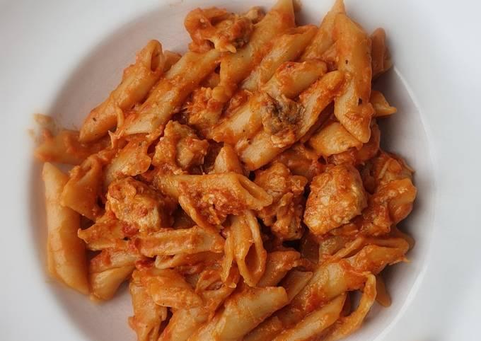 One-Pot - Makkaroni mit Tomaten - Mozzarella - Creme