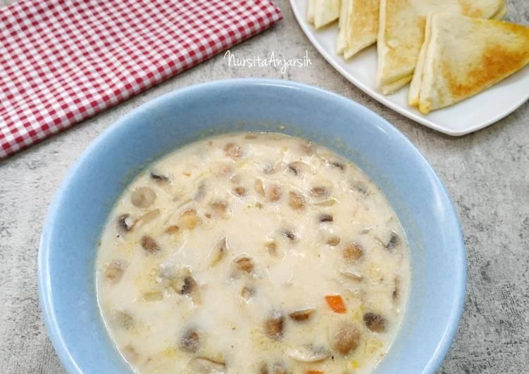 Mushroom Cream Soup (Sup Krim Jamur)