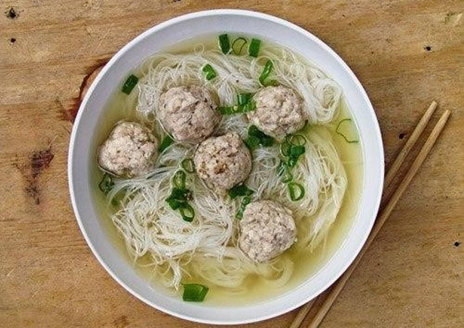 картинки суп лапша с фрикадельками неаполитанского