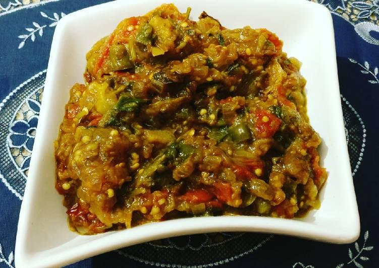 Recipe of Super Quick Homemade Roasted Eggplant Mash or Baingan Bharta