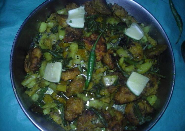 Red lentil pakoda potatoes curry