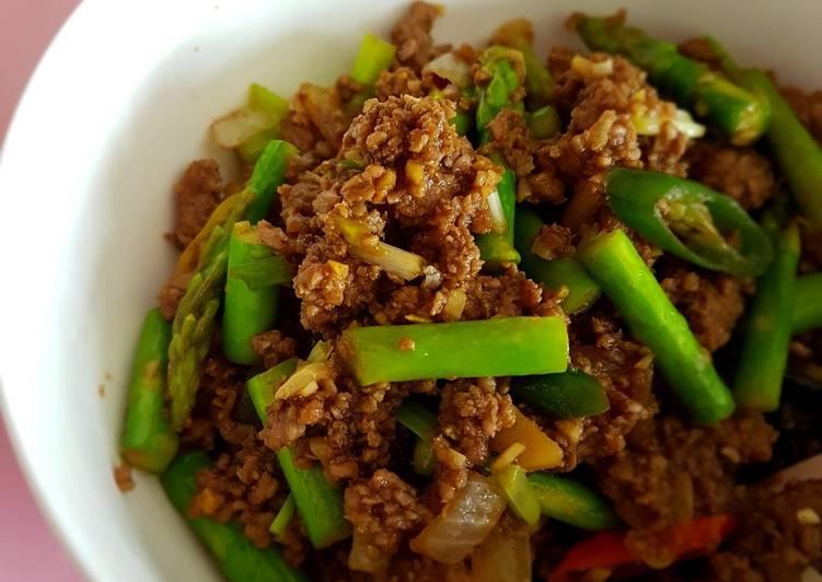 Daging tumis asparagus