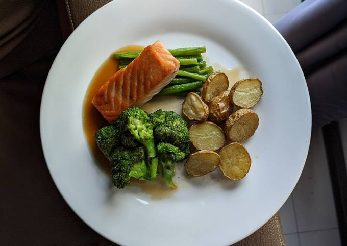 Pan Fried Salmon with Vegetables and Roasted Potatoes