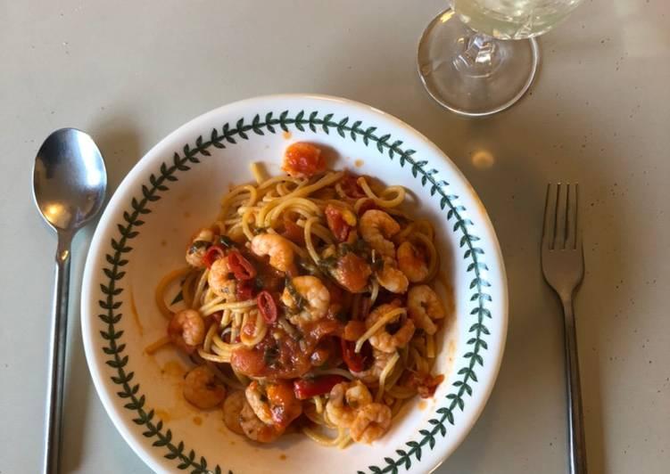Rustic Spaghetti with Prawns & Chili
